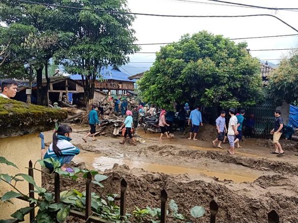 Lũ ống trong đêm ở Lào Cai, ít nhất 2 người chết, 1 người mất tích - Ảnh 9