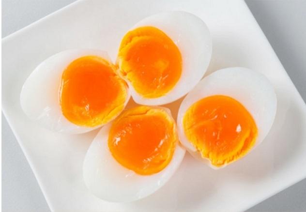 Tuy rất bổ và trẻ con rất thích, nhưng 4 kiểu trứng này mẹ TUYỆT ĐỐI không nên cho con ăn, kẻo rước 'ĐỘC' vào người - Ảnh 2
