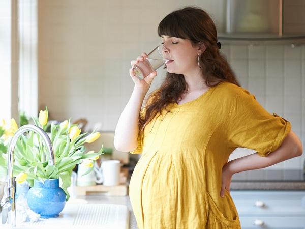 3 dấu hiệu cảnh báo thai nhi trong bụng đang không ổn, mẹ bầu phải 'thuộc lòng' để bảo vệ 'tính mạng' của con - Ảnh 2
