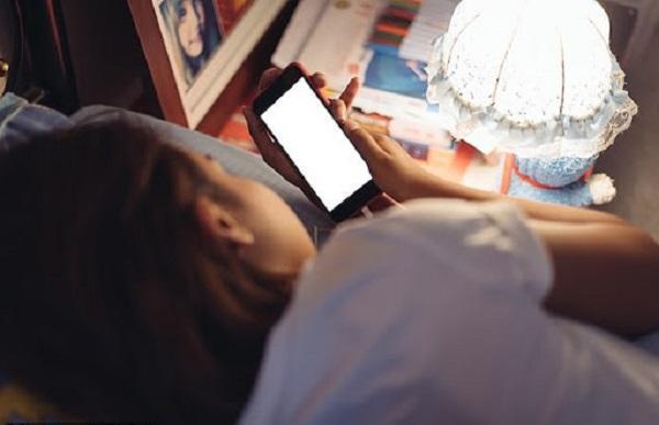 4 thói quen xấu khi ngủ hủy hoại sức khỏe, tăng nguy cơ đái tháo đường, tăng huyết áp, tim mạch và đặc biệt là tuổi thọ - Ảnh 2