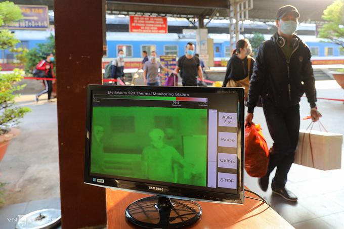 TP HCM gỡ quy định cách ly tập trung người từ Quảng Ninh - Ảnh 1