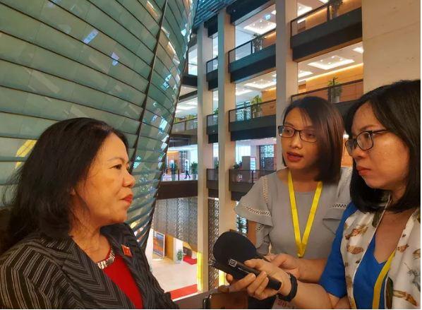 Chủ tịch Hội Chữ thập đỏ Việt Nam: Việc làm của ca sĩ Thủy Tiên không phạm luật - Ảnh 1