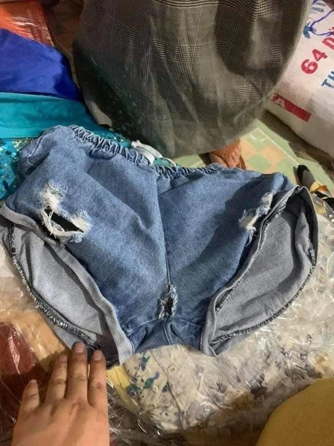 Bức xúc khi tặng bikini và quần áo rách cho người dân miền Trung 'Ủng hộ hay vứt rác' - Ảnh 2