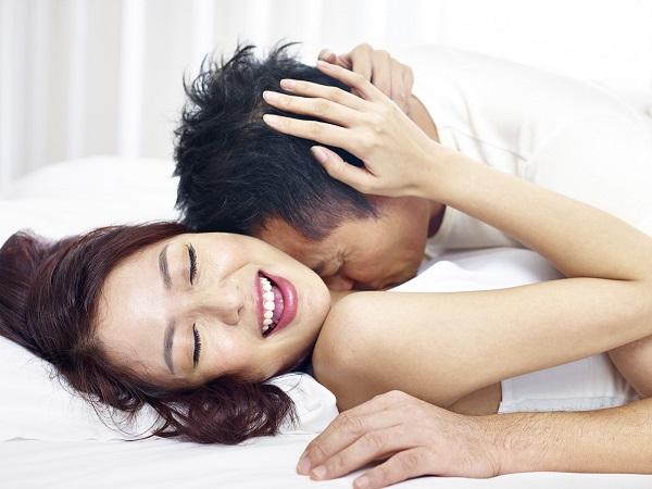 Khi nhập 'cuộc yêu', phụ nữ có những hành động tưởng đàn ông sẽ si mê, nhưng không biết đó là nỗi ám ảnh 'kinh hoàng' làm họ chỉ muốn rời xa bạn - Ảnh 2