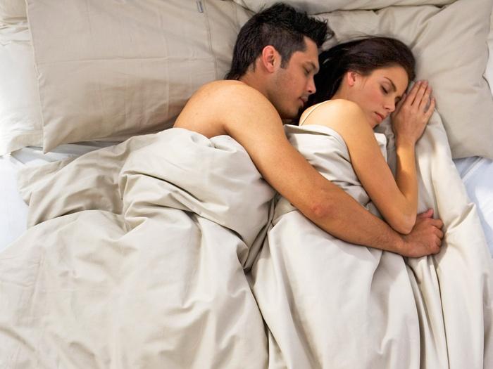 Khi cửa phòng ngủ khép lại, phụ nữ dùng 'phép thử' thế này, biết ngay người đàn ông bên cạnh có thật lòng yêu mình hay không - Ảnh 1