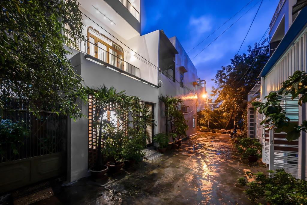 Kiến trúc sư trẻ cải tạo căn nhà cũ tặng ba mẹ tại Nha Trang - Ảnh 2