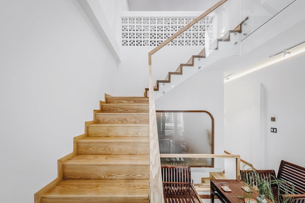 Kiến trúc sư trẻ cải tạo căn nhà cũ tặng ba mẹ tại Nha Trang - Ảnh 1