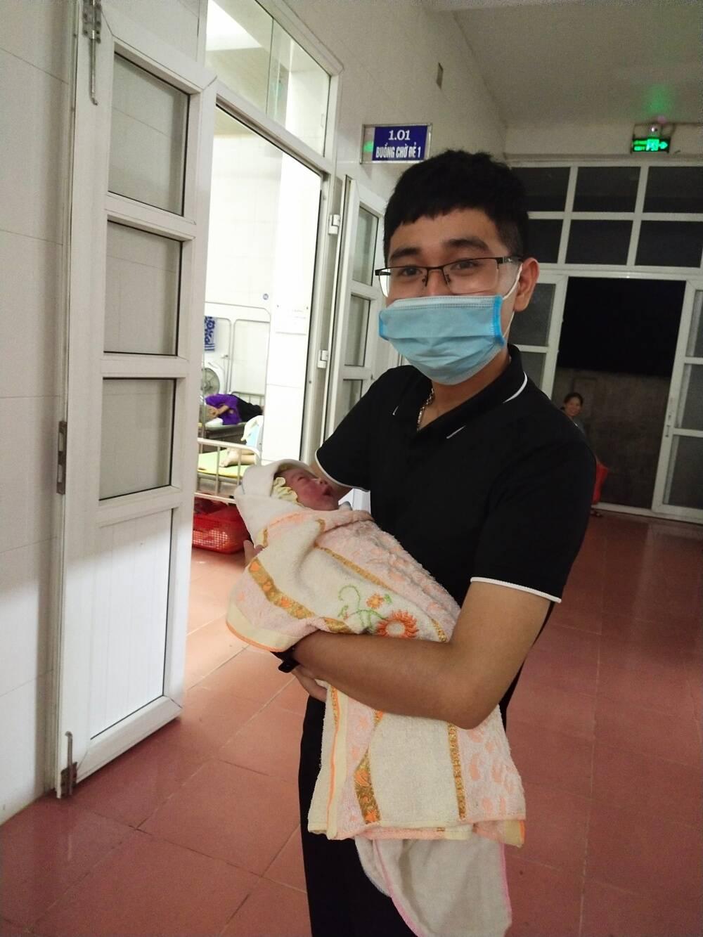 Hành trình nhặt hơn 40 nghìn xác thai nhi và những đêm xót xa không ngủ của chàng sinh viên thiện nguyện - Ảnh 15