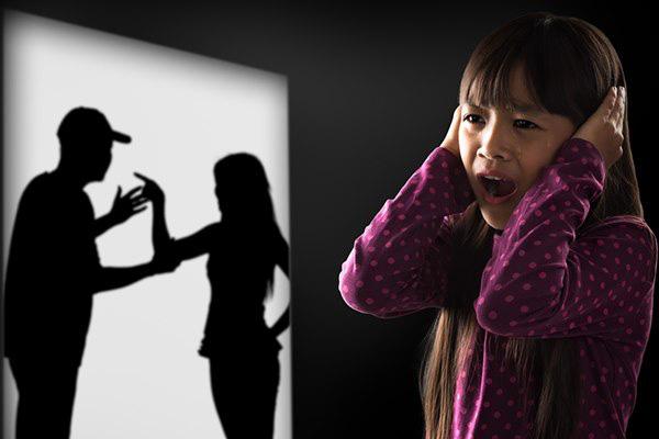 Bố mẹ cãi nhau, hôm sau con gái nói 1 câu khiến cả hai nín lặng xấu hổ - Ảnh 1