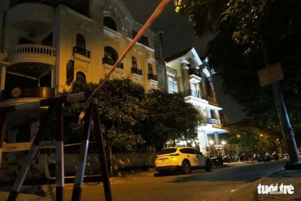 Kinh hoàng phát hiện thi thể không nguyên vẹn trong chiếc vali tại ngôi nhà 4 tầng ở TP.HCM , nghi bị sát hại rồi phân xác - Ảnh 1