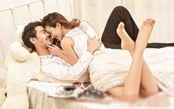 Trong 'cuộc yêu', phụ nữ thường nhầm tưởng cách chiều chồng này sẽ làm ĐÀN ÔNG MÊ MẨN, nhưng không hề biết mình đang 'DÂNG CHỒNG' cho kẻ khác - Ảnh 1