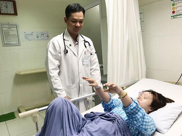 Người phụ nữ 45 tuổi bị nhồi máu não do sở thích ăn uống nhiều người mắc phải, bỏ ngay kẻo muộn - Ảnh 1