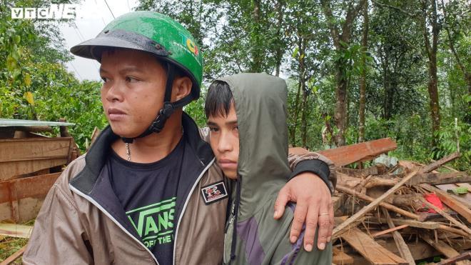 Toàn cảnh vụ sạt lở kinh hoàng khiến 22 người chết và mất tích ở Quảng Nam - Ảnh 14
