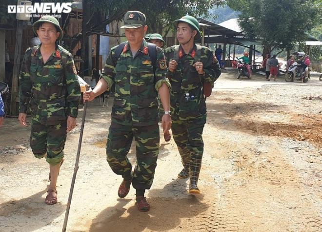 Toàn cảnh vụ sạt lở kinh hoàng khiến 22 người chết và mất tích ở Quảng Nam - Ảnh 4