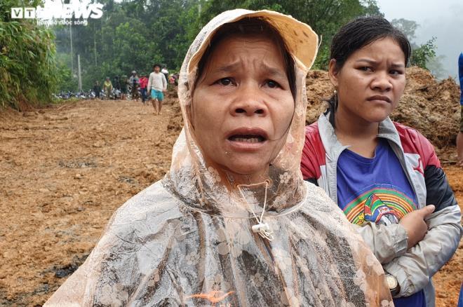 Toàn cảnh vụ sạt lở kinh hoàng khiến 22 người chết và mất tích ở Quảng Nam - Ảnh 7