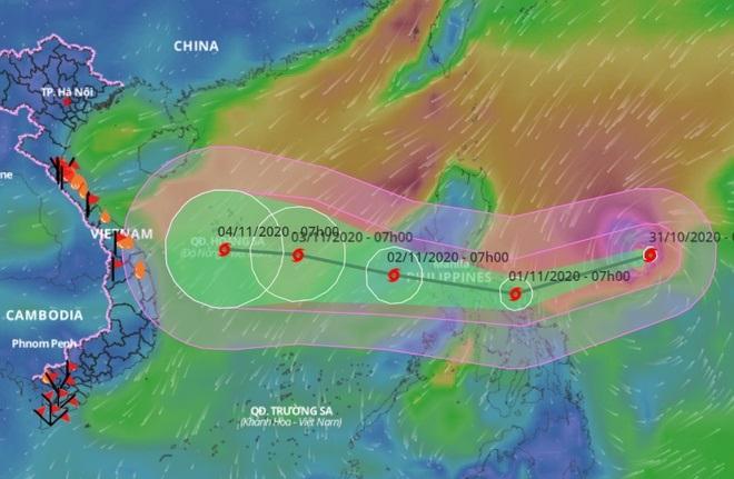 Siêu bão Goni giảm cấp khi vào Biển Đông, Đà Nẵng - Quảng Ngãi mưa lớn - Ảnh 1