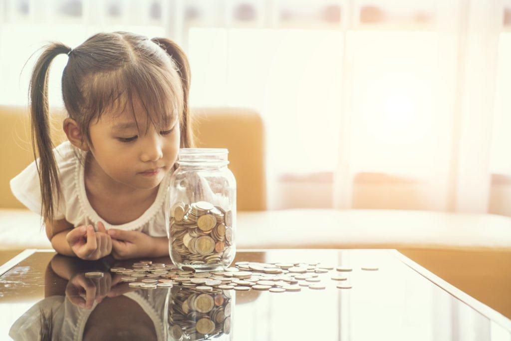 Người Do Thái thường dạy con cách kiếm tiền từ khi còn nhỏ, hèn gì khi lớn trẻ nào cũng thành công đỉnh đạt xuất chúng hơn người - Ảnh 1