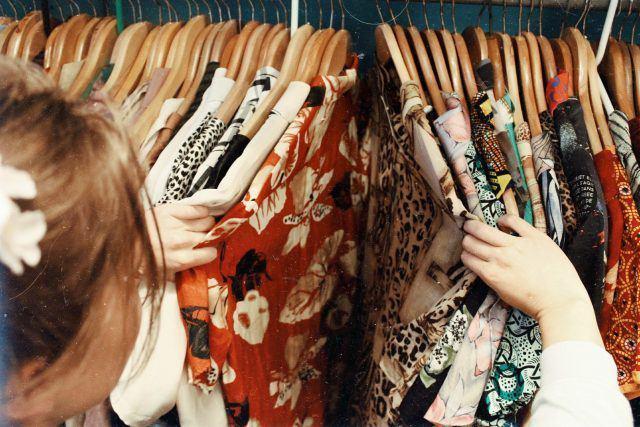 """6 tháng không mua quần áo tiết kiệm cả đống tiền còn """"giắt túi"""" 8 bài học đắt giá - Ảnh 1"""