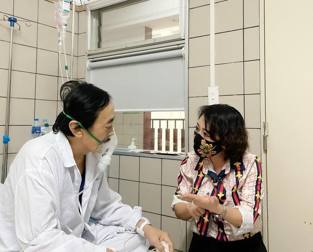 Nghệ sĩ Giang Còi phải nhập viện vì ung thư chuyển nặng, ra máu nhiều - Ảnh 1