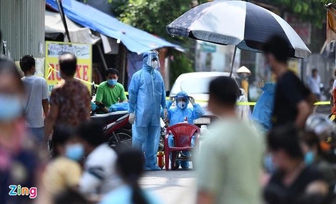 Bắt 2 nghi phạm tổ chức cho 11 người Trung Quốc vượt biên vào TP.HCM - Ảnh 1