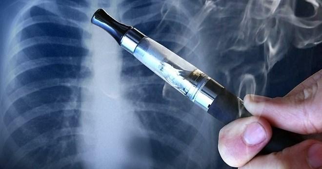 Cảnh báo: Sử dụng thuốc lá điện tử lâu dài đối mặt với nguy cơ bệnh tim mạch, tổn thương phổi - Ảnh 1