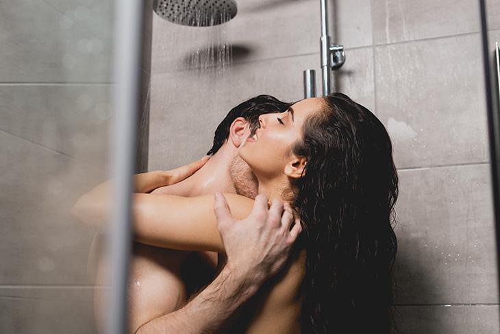 Khi về giường, đàn ông cực thích được vợ khám phá 'điểm cấm', nàng chỉ khẽ chạm chàng sẽ 'phát cuồng' cả đêm - Ảnh 2