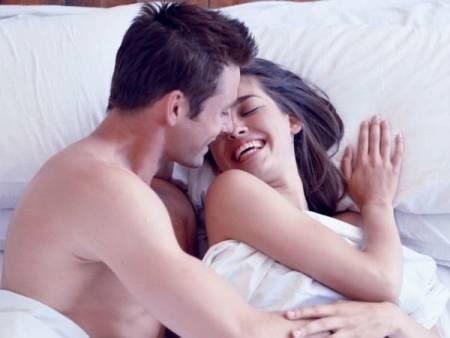 Những điều đàn ông luôn giấu kín sau cánh cửa phòng ngủ, phụ nữ thông minh nên biết điều này - Ảnh 1