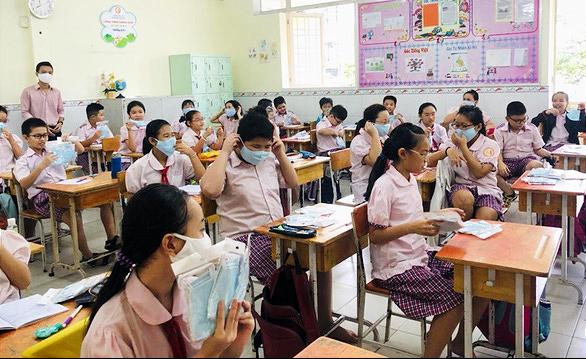 NÓNG: Học sinh TP.HCM ngừng đến trường từ ngày 10-5 - Ảnh 1