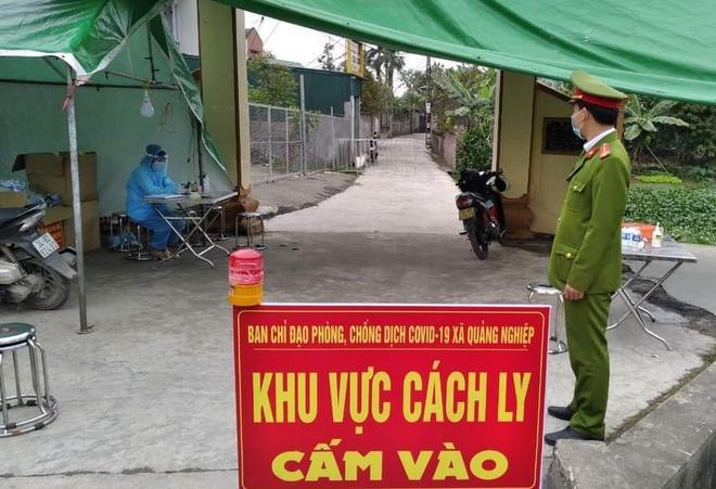 Phong tỏa 400 hộ dân liên quan nhân viên y tế nghi nhiễm nCoV - Ảnh 1