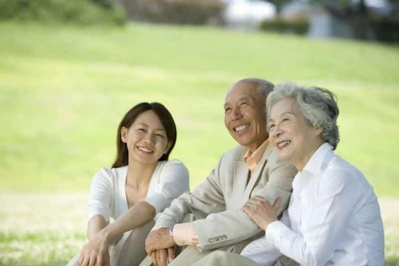 Phụ nữ khôn nên chuẩn bị 4 điều này khi bước vào tuổi trung niên để cuộc đời an yên, tâm luôn hạnh phúc - Ảnh 1