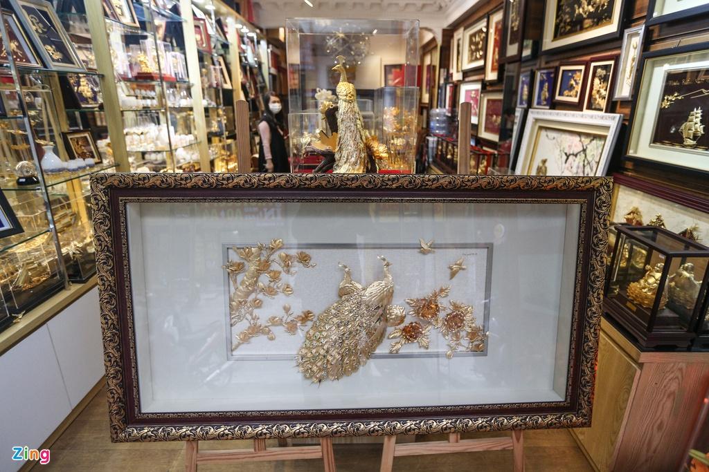 Hoa mạ vàng tiền triệu ngập tràn thị trường quà tặng ngày 8/3 - Ảnh 10