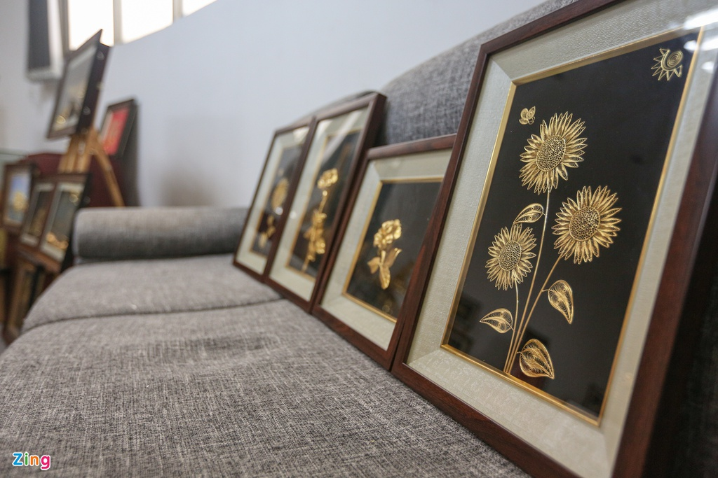 Hoa mạ vàng tiền triệu ngập tràn thị trường quà tặng ngày 8/3 - Ảnh 5