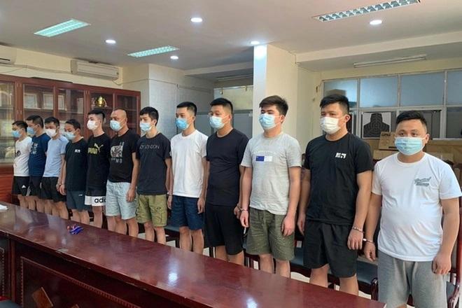 Người Trung Quốc đội lốt chuyên gia, đưa 50 đồng hương vào Hà Nội - Ảnh 2