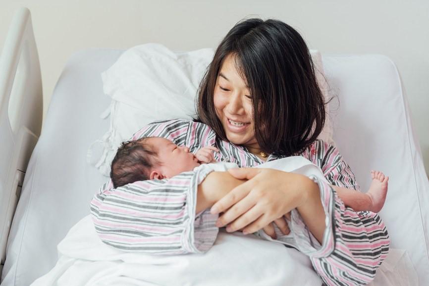 Những điều mẹ bỉm cần lưu ý trong tháng đầu ở cữ, mẹ nên biết để giúp sức khỏe nhanh hồi phục - Ảnh 1