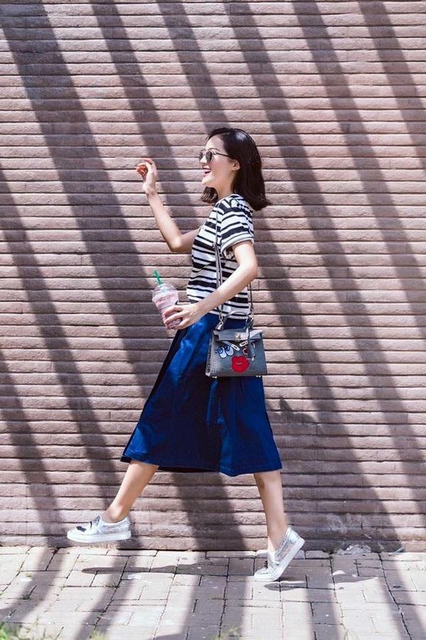'Bí kíp' 1001 cách phối đồ với chân váy dài khiến nàng vừa xinh vừa sành điệu - Ảnh 3