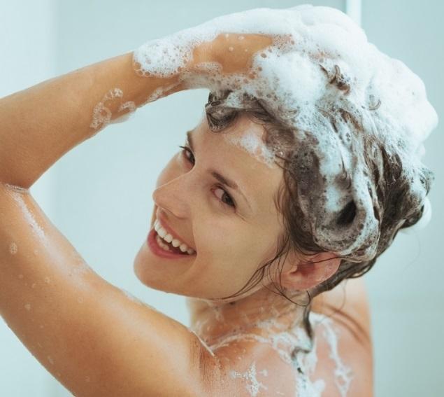 Gội đầu 2-3 lần/tuần giúp tóc mọc nhanh, chắc khỏe