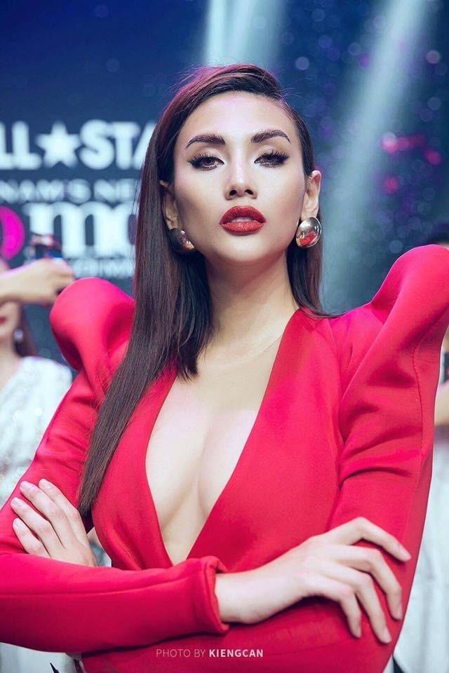 Dàn mỹ nhân Việt theo đuổi xu hướng 'môi tều' hay 'môi dày'