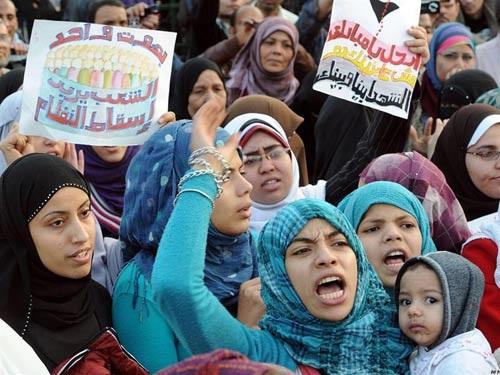 Luật sư phát ngôn sốc: 'Quấy rối và hiếp dâm những cô gái ăn mặc hở hang là nghĩa vụ của công dân yêu nước' - Ảnh 2