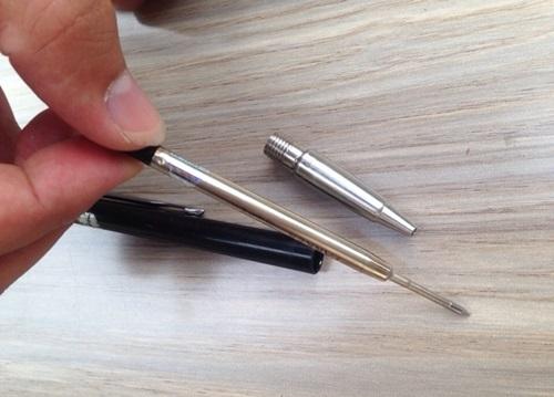 Mụn đầu đen kín mũi cũng tự trồi lên bằng sạch nhờ một chiếc ruột bút bi - Ảnh 4