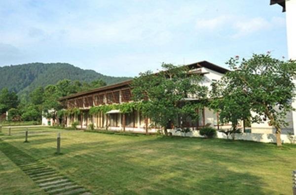 Những căn biệt thự nhìn là choáng của sao Việt - Ảnh 2