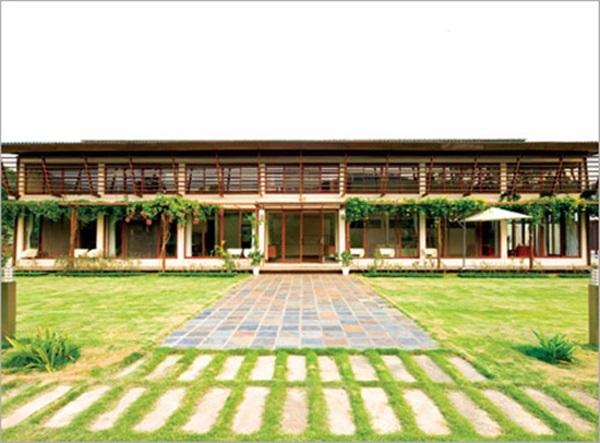 Những căn biệt thự nhìn là choáng của sao Việt - Ảnh 3