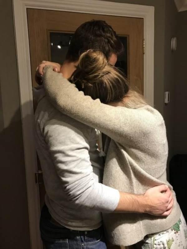 7 động tác giúp ích cho quá trình chuyển dạ mẹ bầu nào cũng nên biết - Ảnh 2