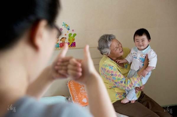 Ông bà chăm cháu sẽ sống lâu hơn những người cao niên khác - Ảnh 2