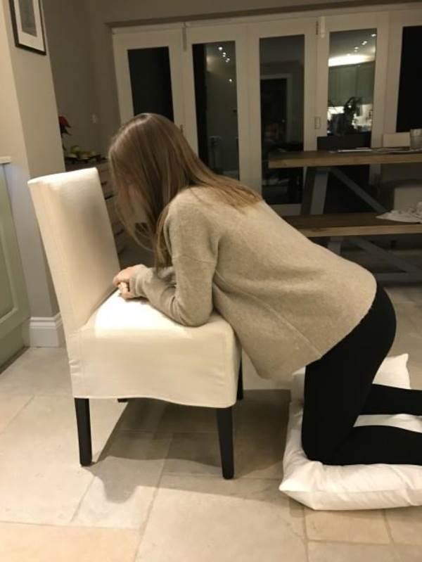 7 động tác giúp ích cho quá trình chuyển dạ mẹ bầu nào cũng nên biết - Ảnh 4