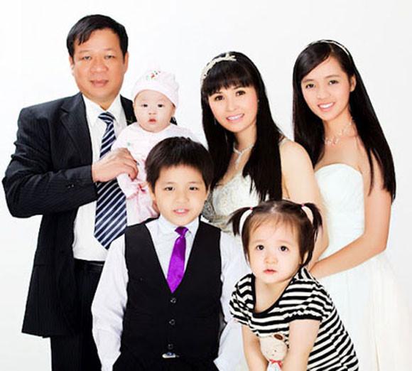 Sao nữ Vbiz càng đông con, càng được chồng yêu chiều, hạnh phúc tràn đầy - Ảnh 22