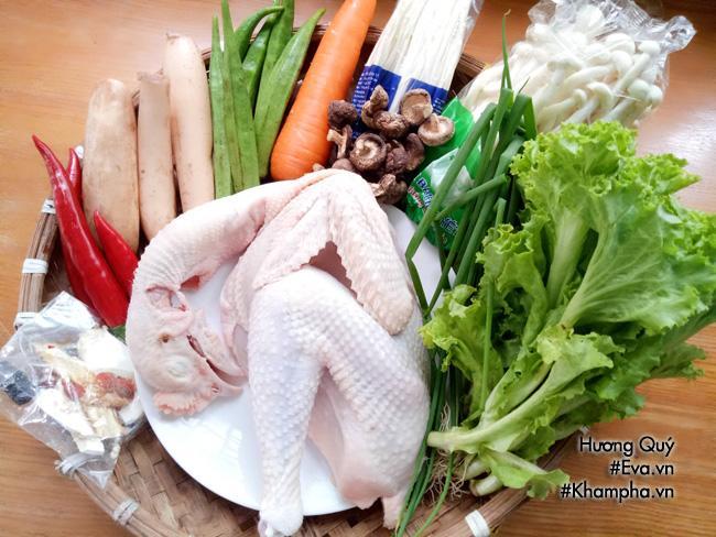 Cách nấu lẩu gà nấm vừa ăn vừa xuýt xoa cả nhà ai cũng thích - Ảnh 1