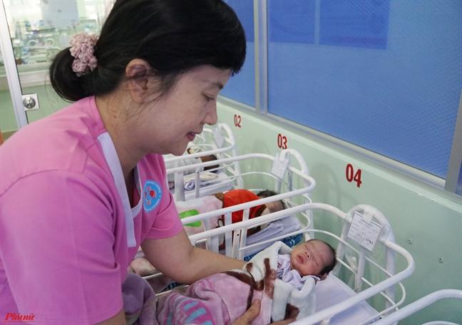 Bác sĩ chỉ chiêu giúp trẻ mới sinh không còn ngủ ngày thức đêm - Ảnh 4