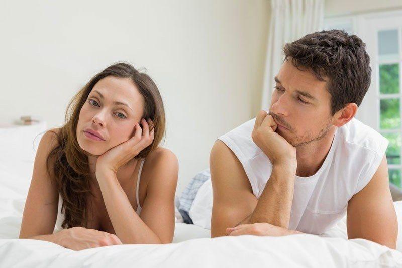 Mãn kinh có thể ảnh hưởng tiêu cực đến ham muốn chuyện ấy theo nhiều cách.