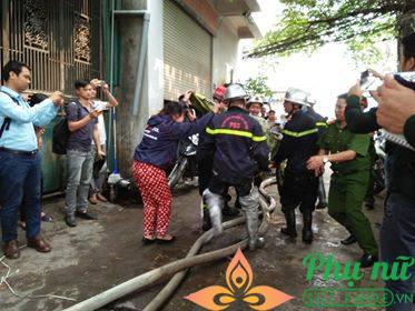 Vụ cháy nhà xưởng ở Hà Nội: Trong số 8 nạn nhân có 3 mẹ con vẫn đang mất tích - Ảnh 7