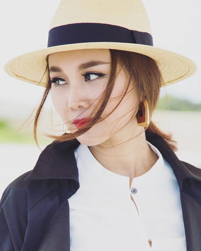 Chi Pu, Thanh Hằng và loạt mỹ nhân Việt đều mê mệt chiếc mũ 'bình dân' này - Ảnh 2